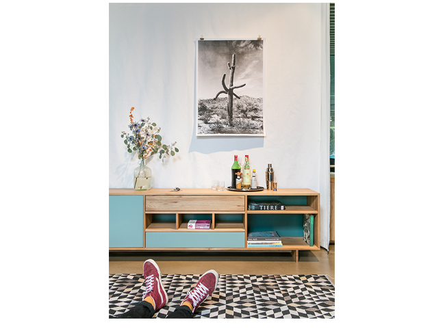 Reseda Mobel Sideboards Tre Due Mit Farbiger Ruckwand